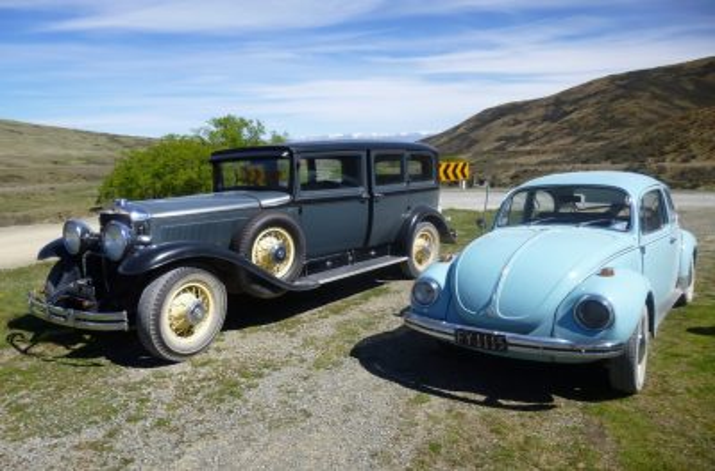 1929 CADILLAC 353 –  1972 VOLKSWAGEN 1302S